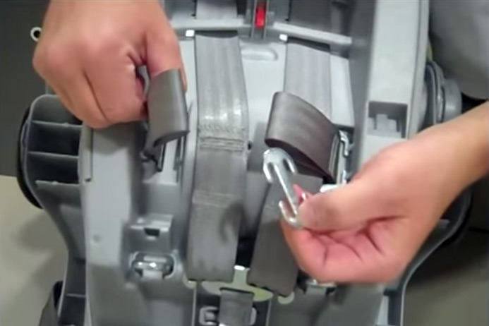 How-to re-thread the harness on a Graco infant car seat - Graco Car ...